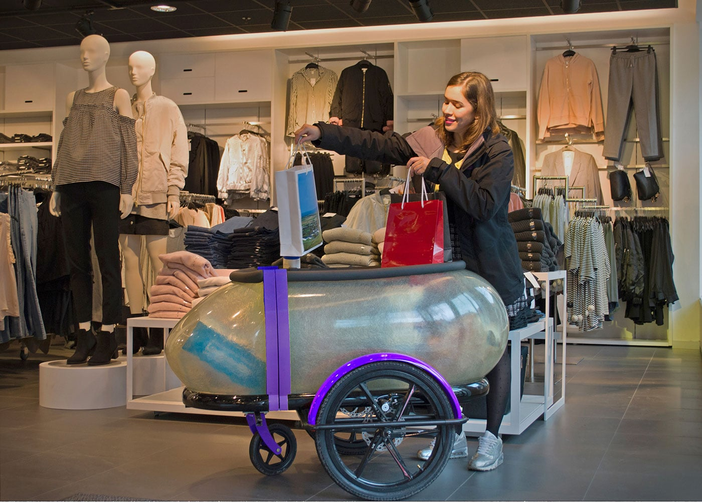 SideBuddy-Shopping-Stroller-By-Jordi-Hans-Design-Jonkoping-sweden-Cargo-Trailer,-side-trailer,-bike-trailer
